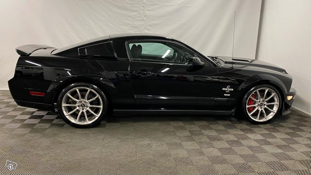 Ford Mustang 5