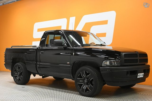 Dodge RAM 1