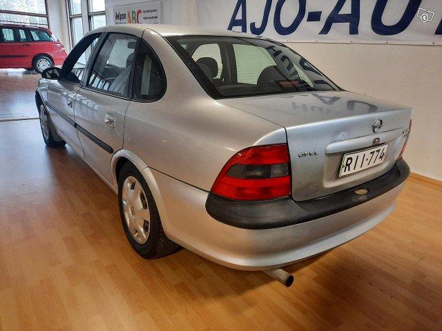 Opel Vectra 4