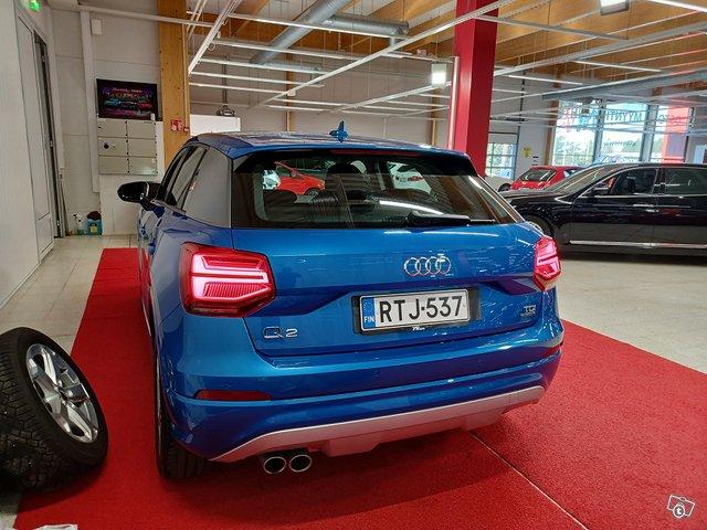 Audi Q2 4