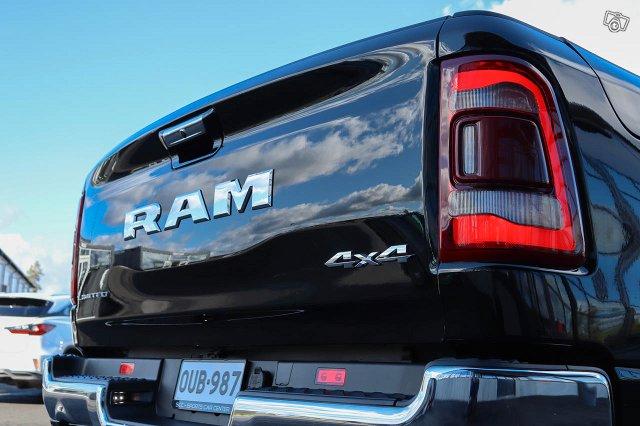 Dodge RAM 12