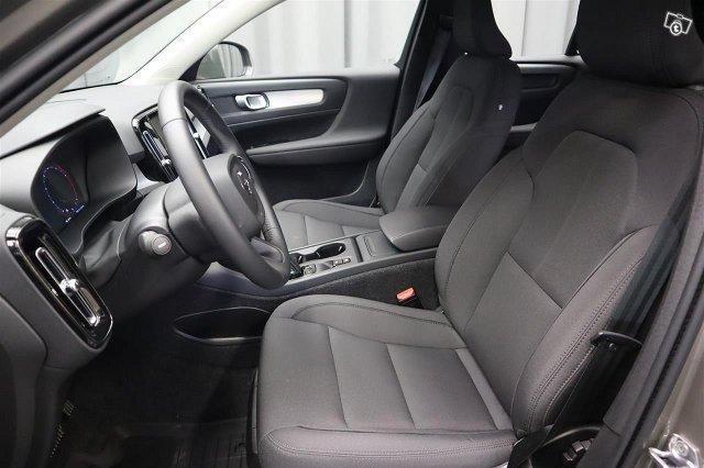 Volvo XC40 11