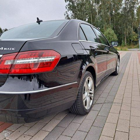 Mercedes-Benz E-sarja 8