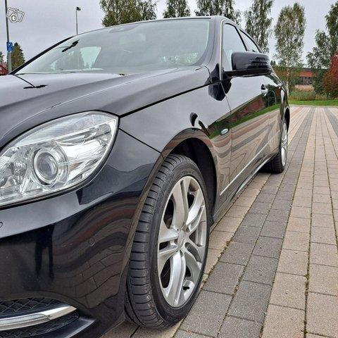 Mercedes-Benz E-sarja 7