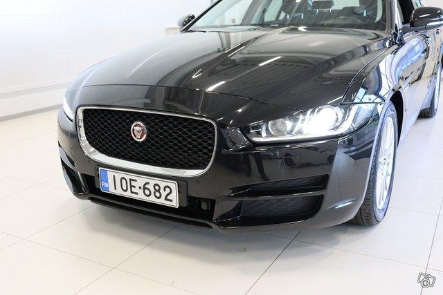 Jaguar XE 17