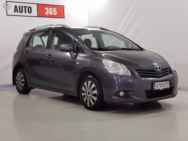 Toyota Verso 4