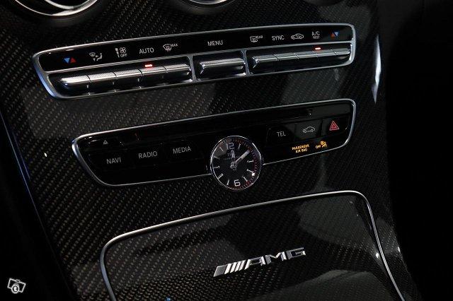 Mercedes-Benz C 63 AMG 15