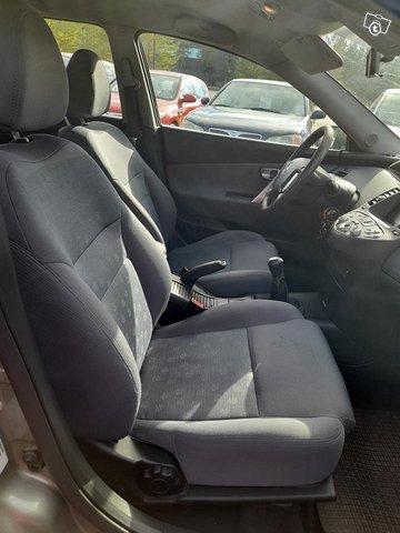 Nissan Primera 6