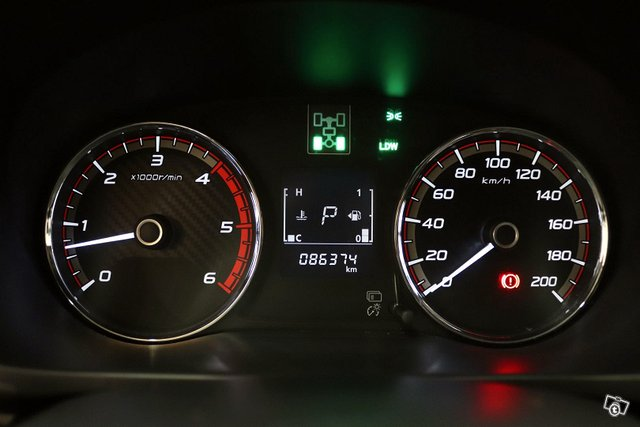 Mitsubishi L200 14