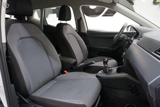 Seat Arona 22