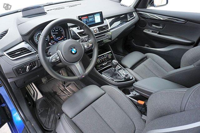 BMW 216 10