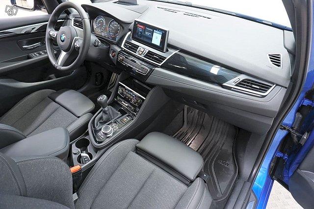 BMW 216 13