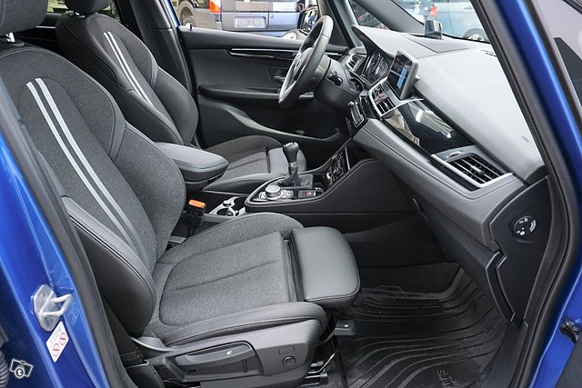 BMW 216 14