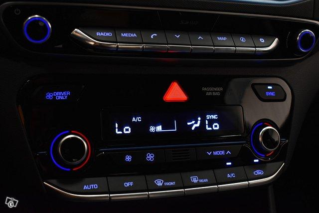 Hyundai IONIQ Hybrid 24