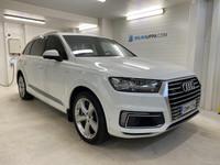Audi Q7 -17