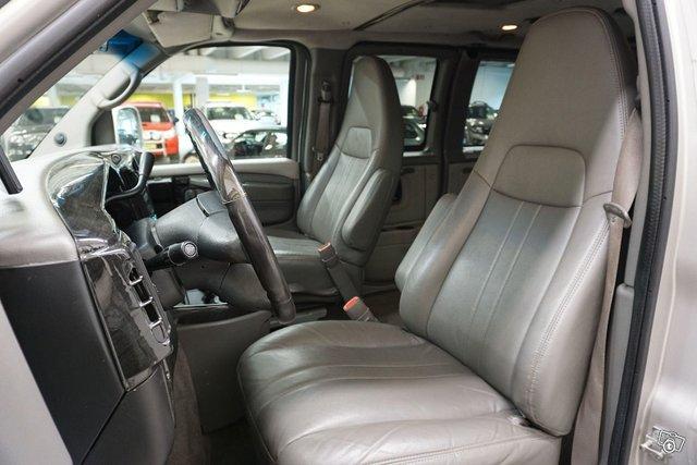 Chevrolet Chevy Van 9