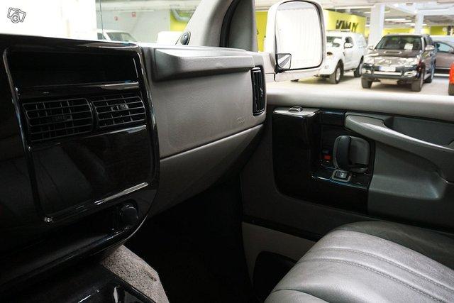 Chevrolet Chevy Van 22