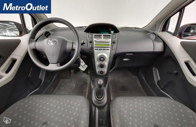 Toyota Yaris 11