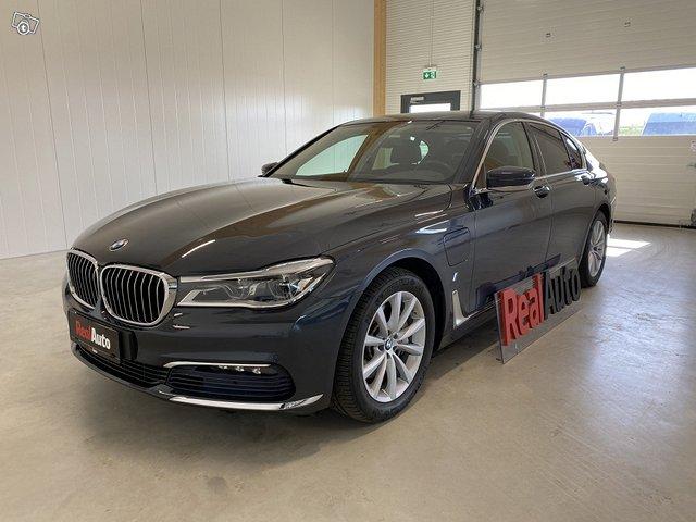 BMW 740e 1