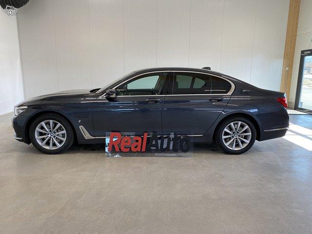 BMW 740e 4