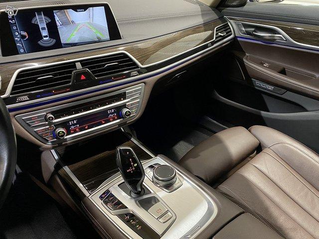 BMW 740e 9