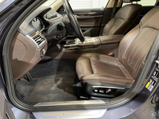 BMW 740e 10
