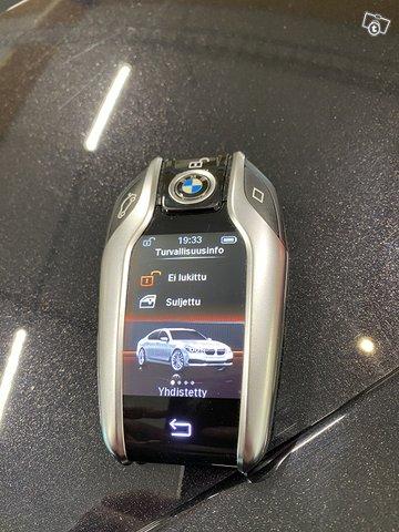BMW 740e 14