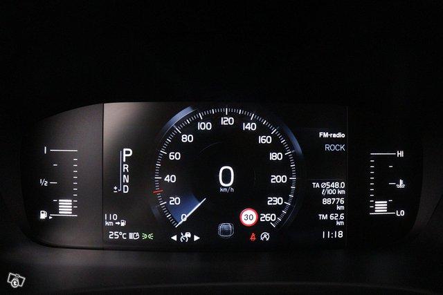 Volvo V90 17