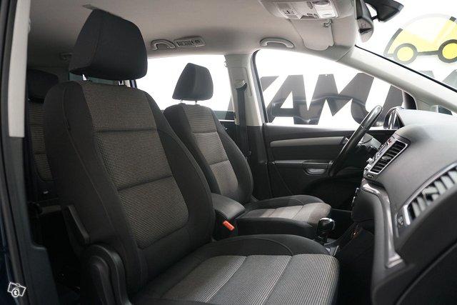 Volkswagen Sharan 9