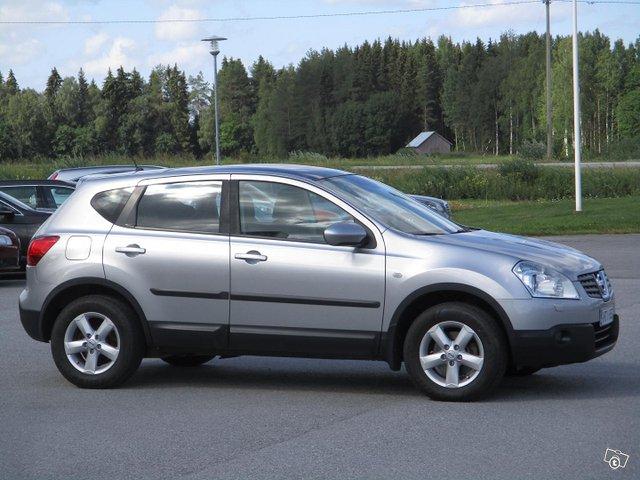 Nissan Qashqai 1