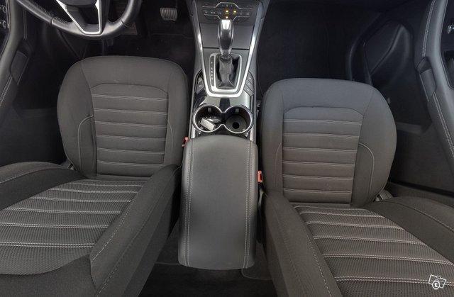 Ford Galaxy 22