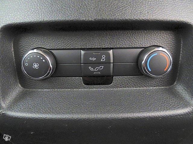 Ford Galaxy 24