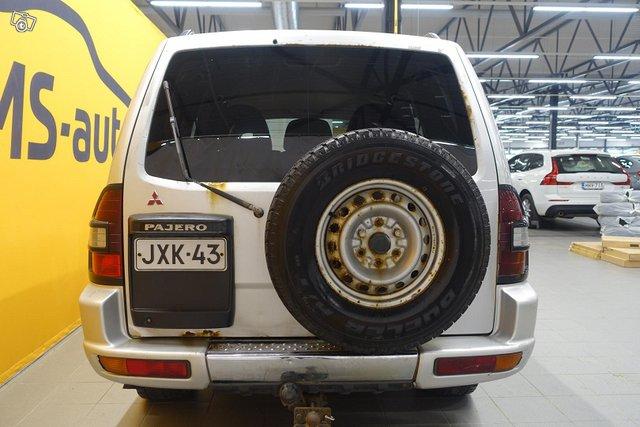Mitsubishi Pajero 6