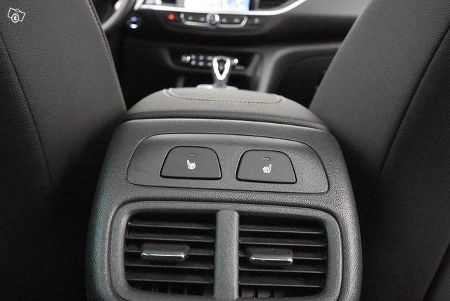 Opel INSIGNIA 20