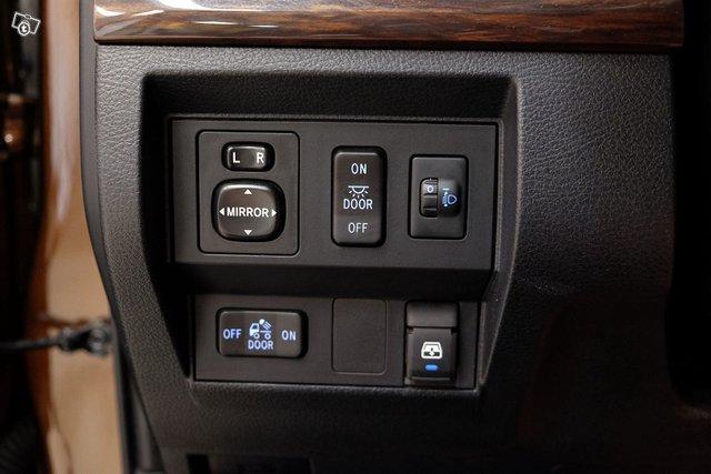 Toyota Tundra 15