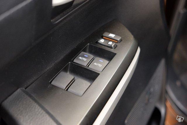 Toyota Tundra 24