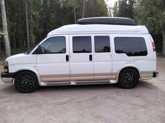 Chevrolet Express 8