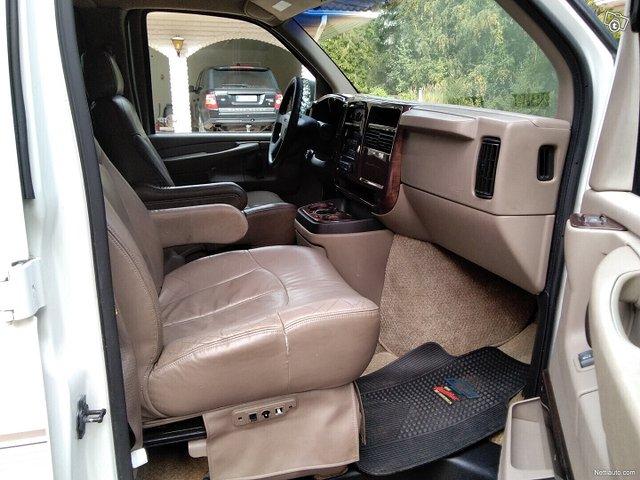 Chevrolet Express 14