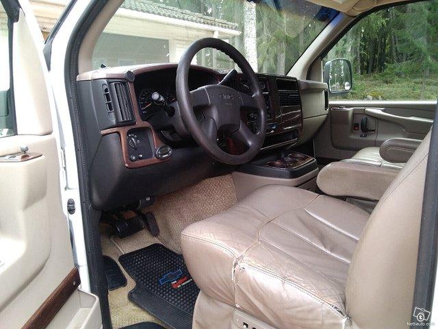 Chevrolet Express 16