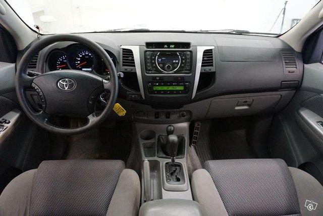 Toyota Hilux 15