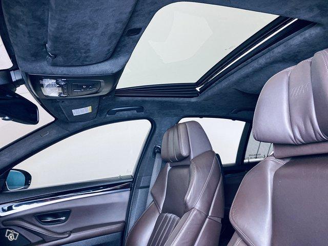 BMW M5 7
