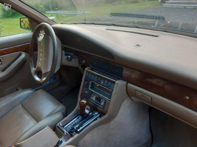 Audi V8 5