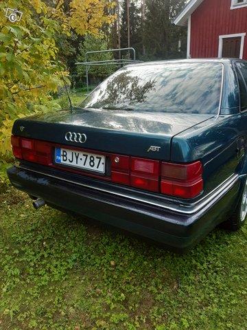 Audi V8 7