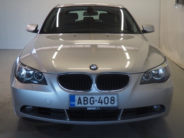 BMW 523 13