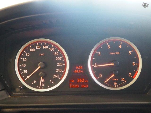 BMW 523 18