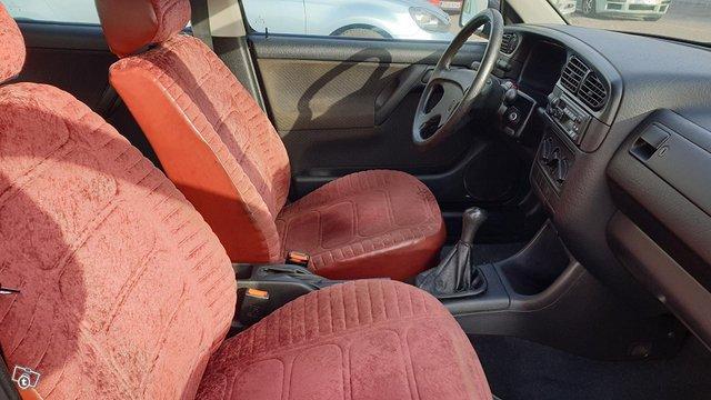Volkswagen Vento 4