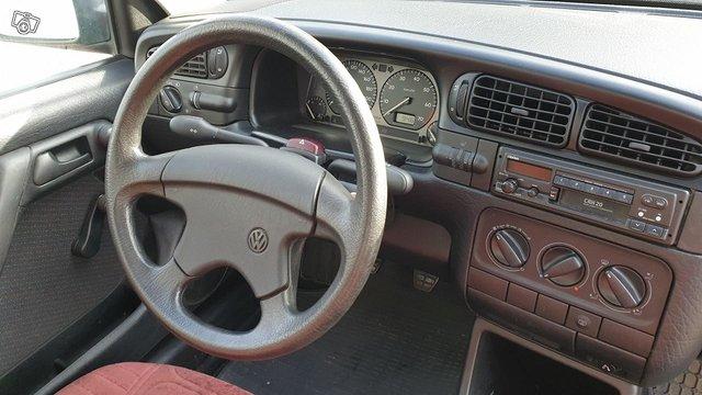 Volkswagen Vento 7