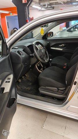 Toyota Urban Cruiser 9