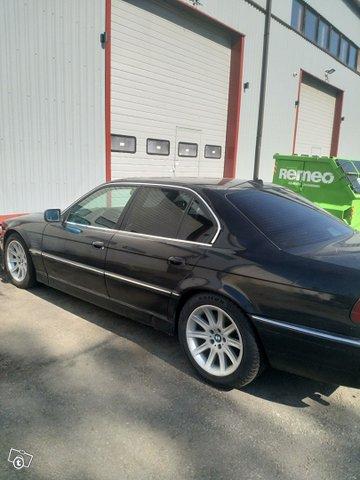 BMW 7-sarja 2