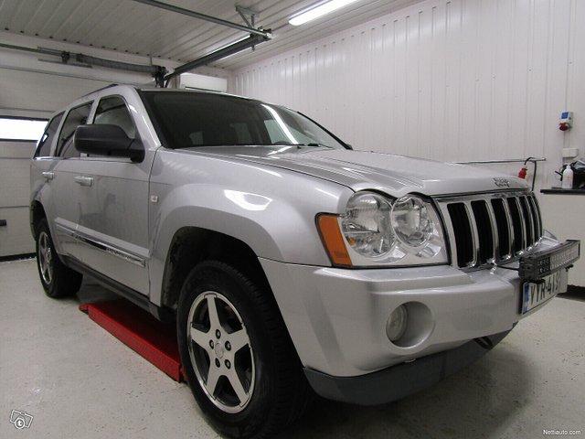Jeep Grand Cherokee 4
